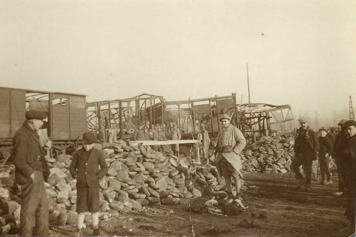 Treinramp in Herzele in december 1918.