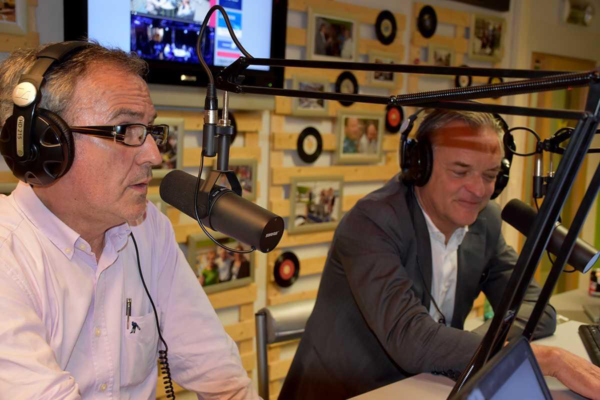 Ronny Herremans, lijsttrekker CD&V en Partners en Johan Van Tittelboom, lijsttrekker Open-VLD in de Radio Star studio