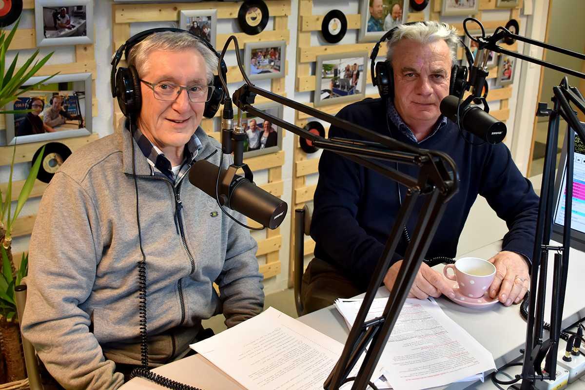 Jozef Vanden Nest en Michel Goossens in de studio van Radio Star.